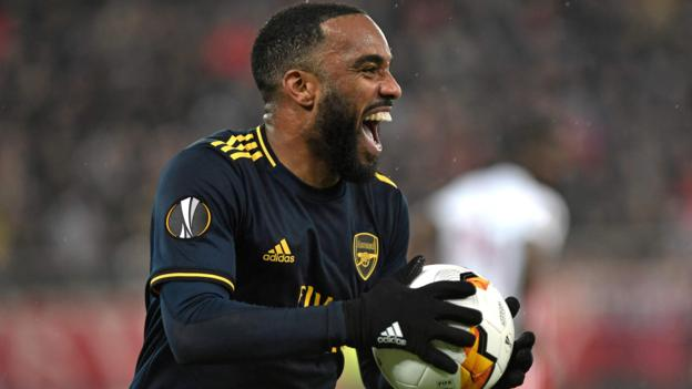 Arsenal won their first leg tie in the Europa League round of 32 against Olympiakos 0-1 thanks to a goal from Alexandre Lacazette late in the second half of their away game.