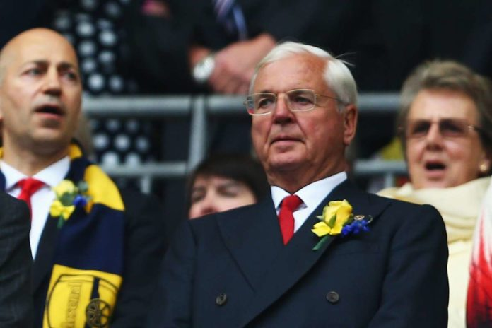 Arsenal chairman Chips Keswick has retired after seven years in the role, the Premier League football club announced on Thursday.