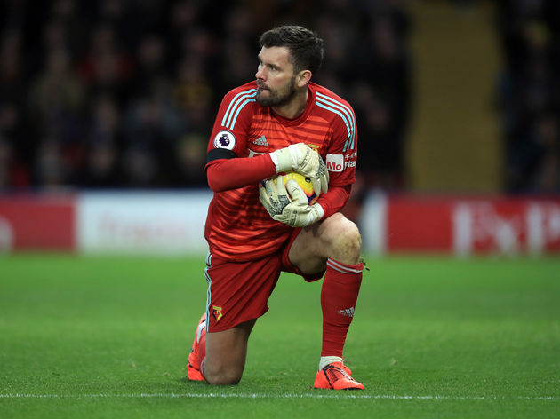 Watford goalkeeper Ben Foster said the team are suffering crisis of confidence after Premier League defeat by Manchester City left them in relegation zone.