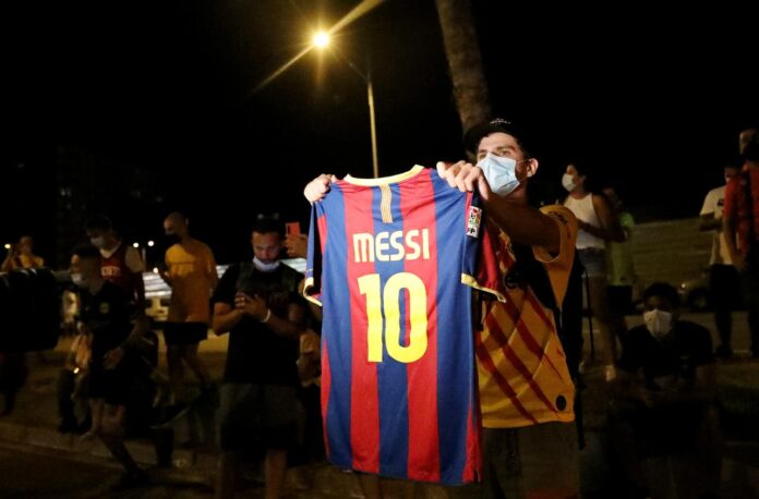Angry Barcelona fans chanted for the resignation of the club president Josep Maria Bartomeu after captain Lionel Messi announced that he wished to leave.