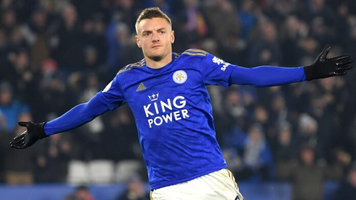 Jamie Vardy has signed a one-year contract extension at Leicester City that will take him beyond his 36th birthday, the club announced on Wednesday.
