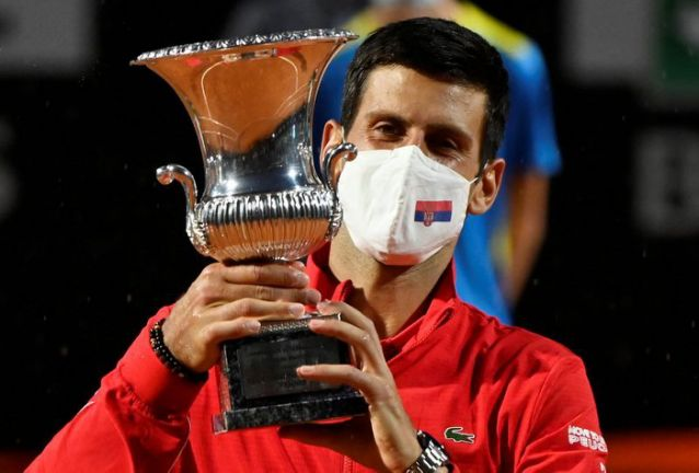 Organisers of Italian Open and tennis Tours were attacked on social media after it emerged that Rome men's champion Novak Djokovic was paid 10 euros more than women's winner Simona Halep.