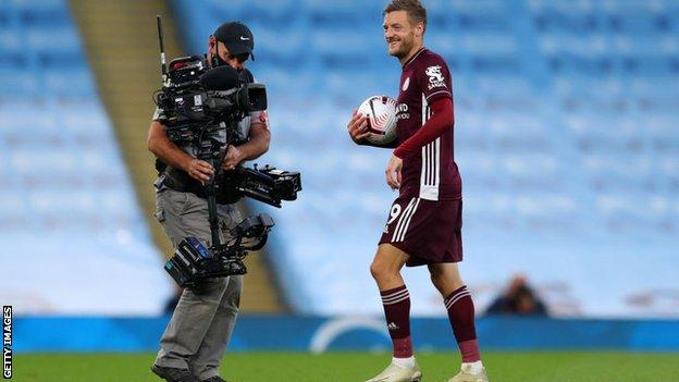 Broadcasting Premier League matches on a pay-per-view basis will lead to fans watching on illegal streams, says a football finance expert Kieran Maguire.