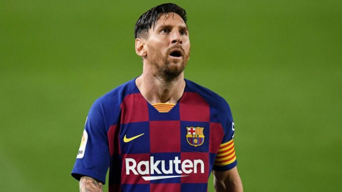 Former teammate Luis Suarez says Lionel Messi could be convinced to stay at Barcelona beyond this season, despite interest from Manchester City.