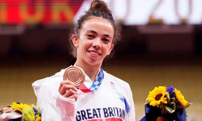 Tokyo Olympics: Chelsie Giles Wins Team GB's 1st Medal With Judo Bronze - SportRazzi